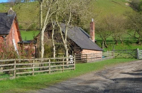 Last Minute Cottages - Gorgeous Knighton Cottage S37413