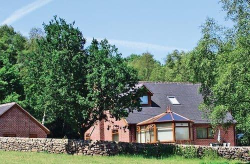 Big Cottages - Inviting Leek Cottage S15986