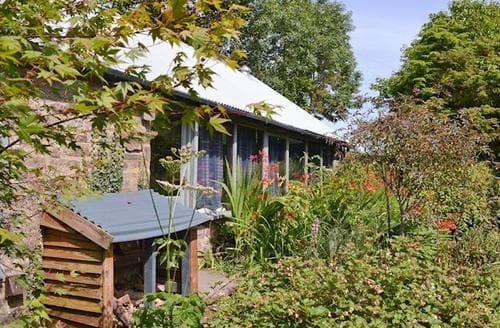 Last Minute Cottages - Wonderful Newtown Lodge S25427