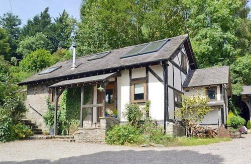 Last Minute Cottages - Gorgeous Newtown Lodge S25428