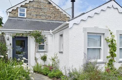Big Cottages - Tasteful Preseli Hills Cottage S60336