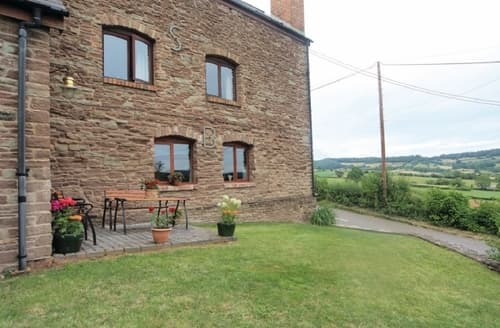 Last Minute Cottages - Captivating Monmouth Apartment S21621