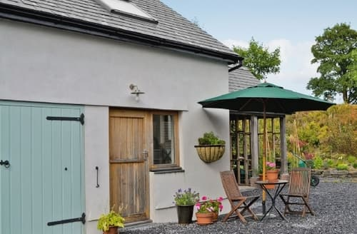 Last Minute Cottages - Lovely Llandovery Apartment S21722