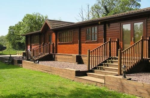 Last Minute Cottages - Attractive Stafford Lodge S16044