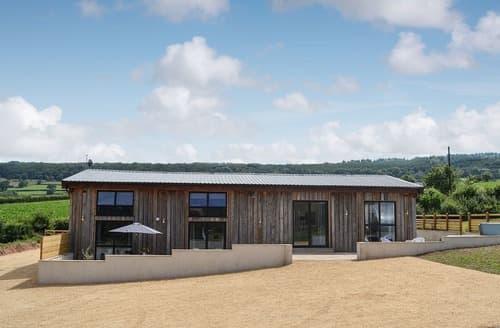 Last Minute Cottages - Wild Oak Barn
