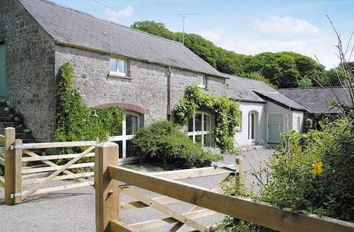 Dog Friendly Cottages - THE ARCH BARN