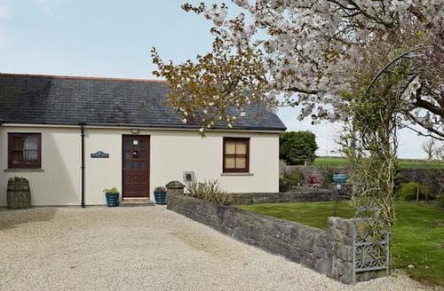 Last Minute Cottages - Luxury Tenby Cottage S50233