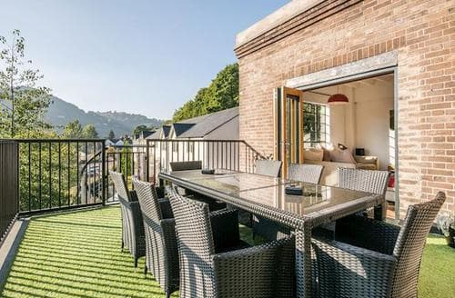 Last Minute Cottages - Superb Llangollen Apartment S44456