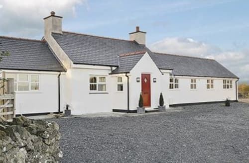 Big Cottages - Lovely Holyhead And Treaddur Bay Cottage S22069