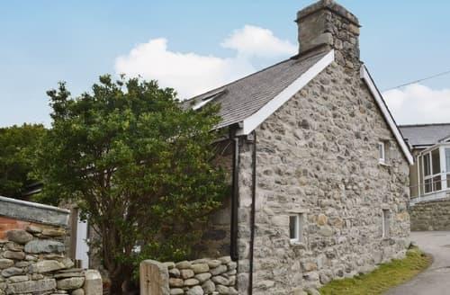 Last Minute Cottages - Gorgeous Dolbenmaen Cottage S25147