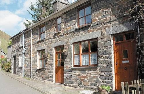 Last Minute Cottages - BRYNDYFI