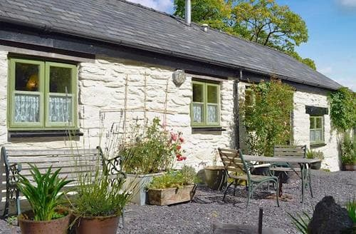 Last Minute Cottages - BLAEN GLASGWM ISAF COTTAGE