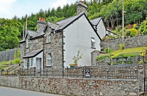Last Minute Cottages - TAN Y FEDW