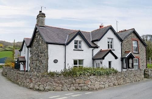 Last Minute Cottages - Hiraethog