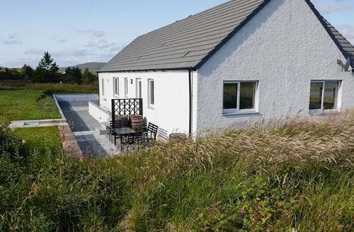 Last Minute Cottages - Excellent Portree Cottage S22472