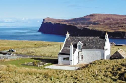 Last Minute Cottages - Superb Portree Cottage S22492