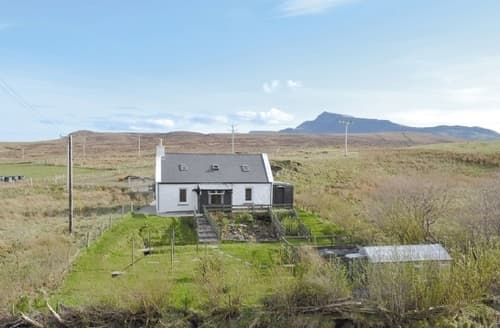 Last Minute Cottages - Excellent Portree Cottage S25333