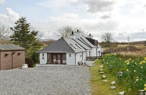 Last Minute Cottages - Superb Sligachan Cottage S22537