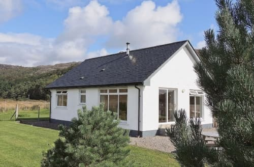 Last Minute Cottages - Delightful Acharacle Cottage S22563