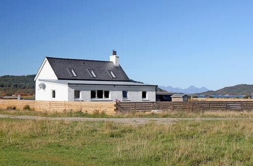 Last Minute Cottages - Wonderful Acharacle Cottage S22574