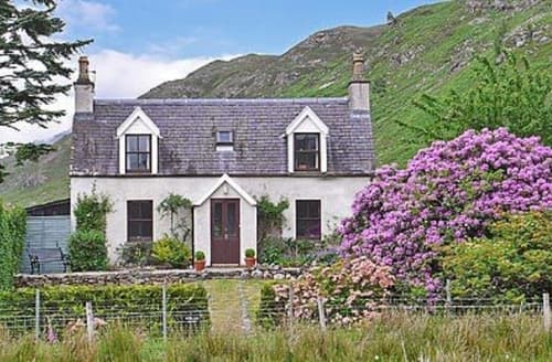 Big Cottages - Cosy Strathcarron Cottage S22870