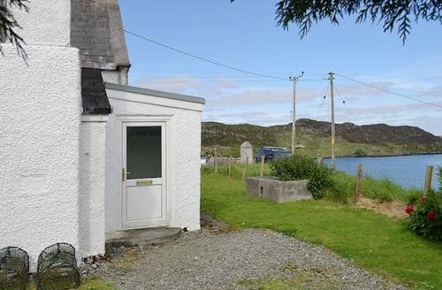 Last Minute Cottages - Gorgeous All Outer Hebrides Cottage S22902