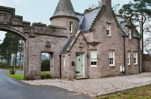 Last Minute Cottages - Gorgeous Callander Lodge S23244