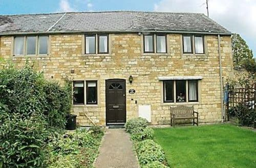 Last Minute Cottages - Beautiful Moreton In Marsh Cottage S16264