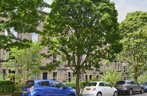 Last Minute Cottages - Charming Edinburgh Apartment S39569