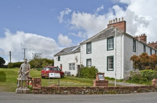 Last Minute Cottages - Delightful Sandyhills Apartment S23731