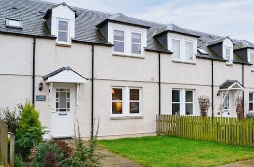 Last Minute Cottages - Quaint Jedburgh Cottage S77132