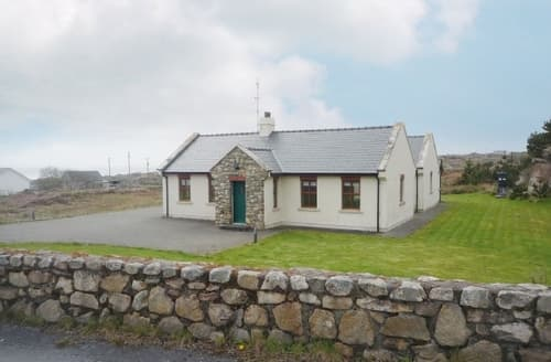 Last Minute Cottages - Delightful Spiddal Cottage S23975