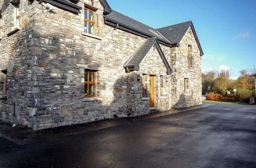 Last Minute Cottages - Attractive Westport Cottage S24102