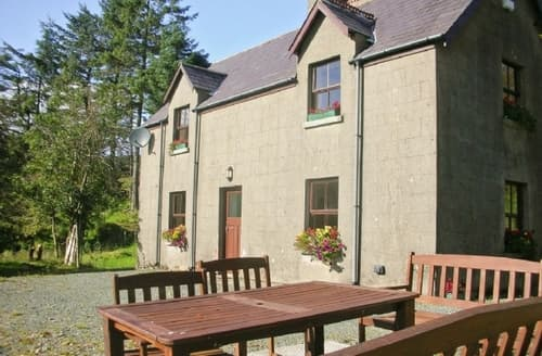 Big Cottages - Exquisite Rathdrum Lodge S24241