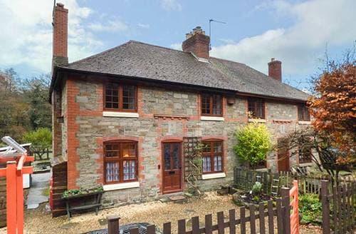 Last Minute Cottages - 3 Crown Cottages