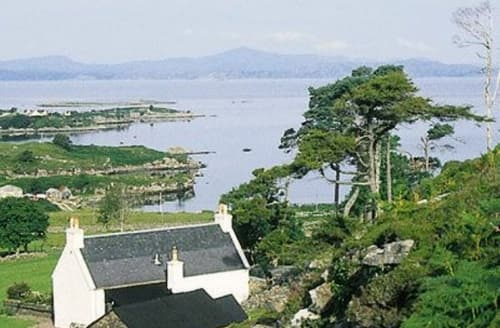 Last Minute Cottages - Cosy Applecross Cottage S24285