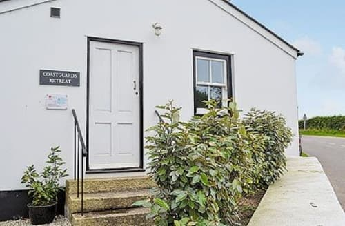 Last Minute Cottages - Attractive St Ives Apartment S21316