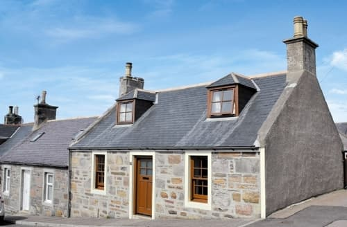 Last Minute Cottages - Inviting Cullen Cottage S39644