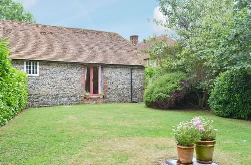 Last Minute Cottages - HUCKING COURT STABLE