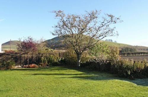 Last Minute Cottages - Lovely Hawick Cottage S24515