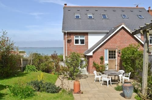 Big Cottages - Attractive Yarmouth Cottage S26098
