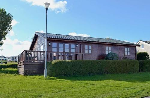 Big Cottages - Superb Benllech Lodge S43559