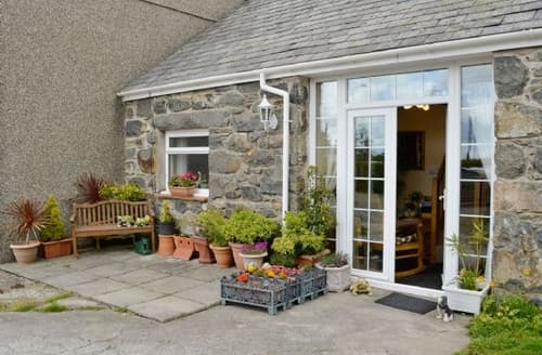 Last Minute Cottages - Adorable Porthmadog Cottage S24760