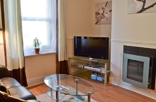 Last Minute Cottages - Cosy Shanklin Cottage S14362