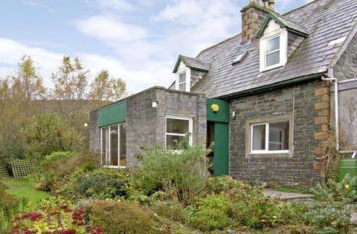 Last Minute Cottages - Delightful Newton Stewart Farmhouse S4628