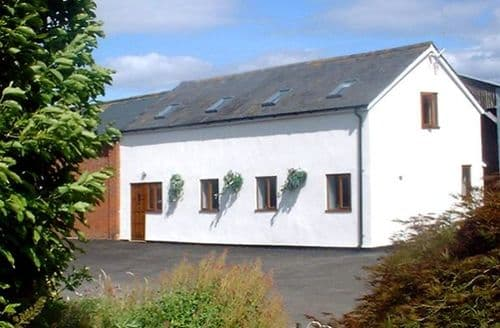 Last Minute Cottages - Cosy Hereford Dairy S2033