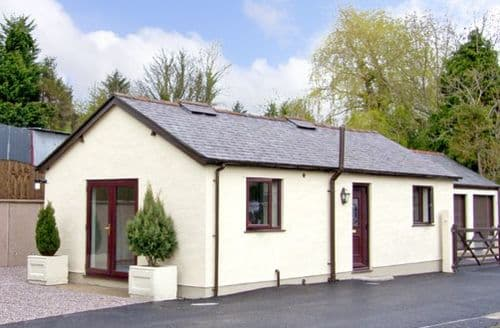 Last Minute Cottages - Inviting Bodfari Cottage S4747