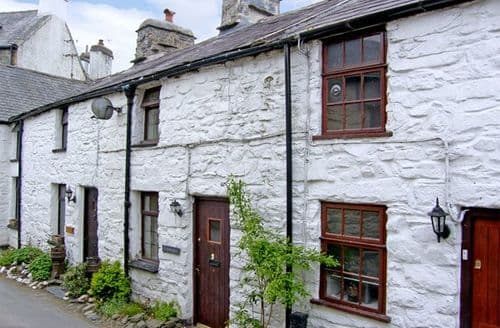 Last Minute Cottages - Llannerch