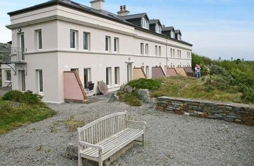 Last Minute Cottages - No 4 Crookhaven Coastguard Cottages