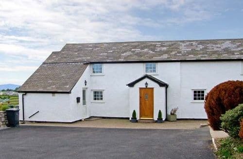 Big Cottages - Superb Denbigh Uchaf S5157